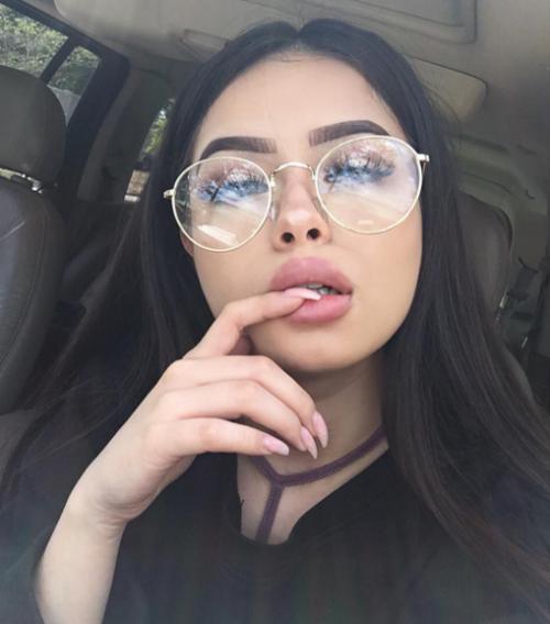 femme lunettes rencontre rencontre avec homme cancer