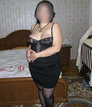 un homme recherche une femme sexy en paris