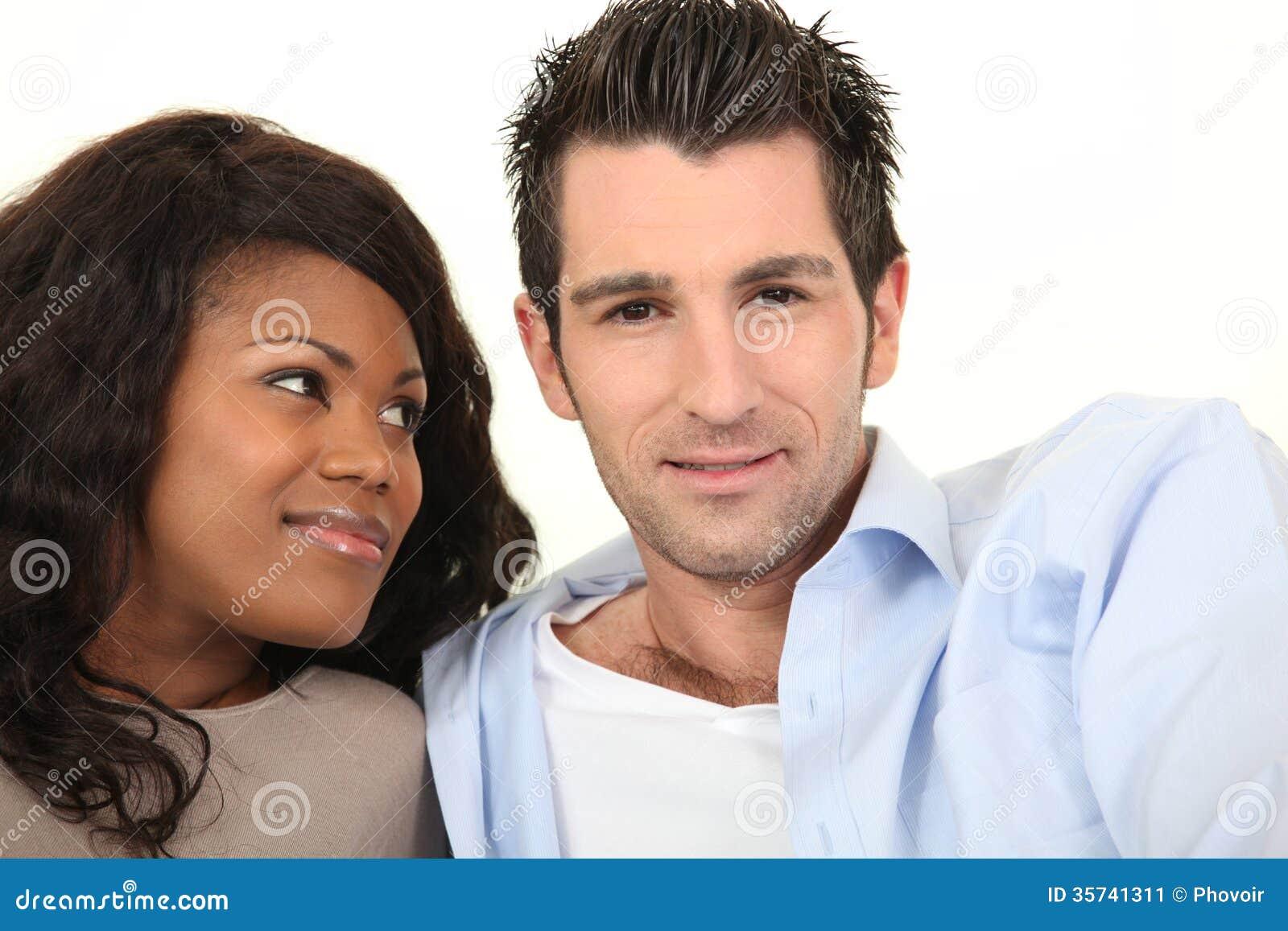 rencontrer un homme dans un club à vitry- sur- seine reunionnaise cherche homme