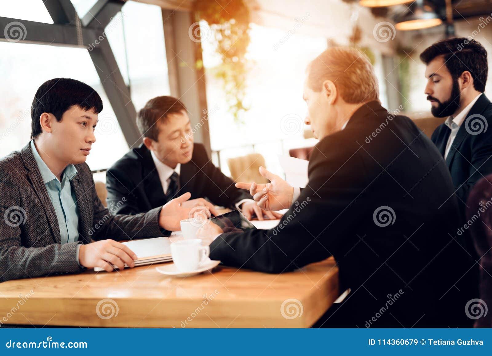 rencontre des hommes chinois